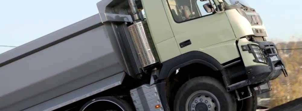 Casalucci Srl vi offre servizi di Posa sottofondi con camion Melzo